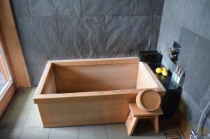 星のや軽井沢檜風呂