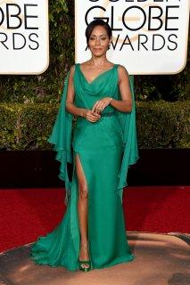Jade Pinkett: vestido de Atelier Versace, aros de Van Cleef & Arpels y zapatos de Jimmy Choo