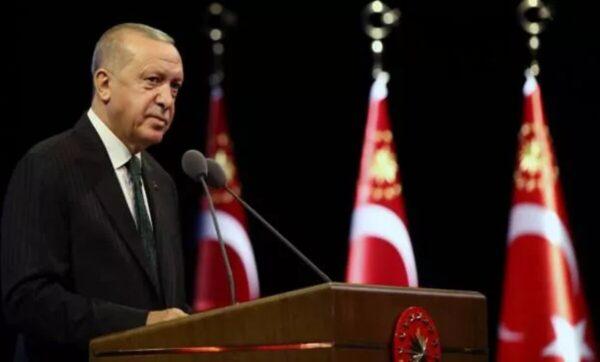طيب أردوغان وكالات 600x362 - أردوغان يطمئن مواطنيه بشأن الوضع الاقتصادي ويؤكد: أسباب انخفاض الليرة لن تبقى طويلاً - Mada Post