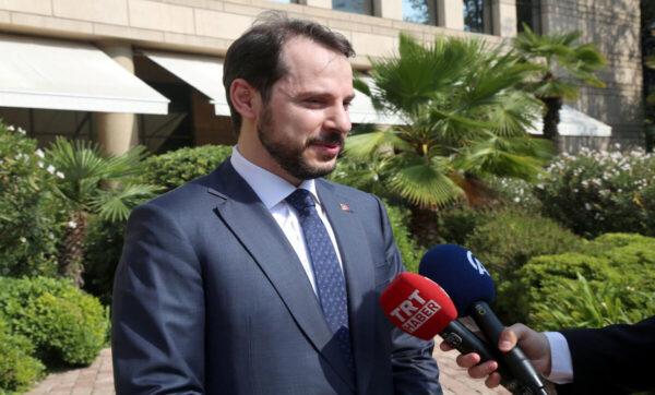 المالية التركي مواقع التواصل 1 600x362 - وزير يكشف خطة تركيا الاقتصادية بعد ارتفاع الدولار مقابل الليرة - Mada Post