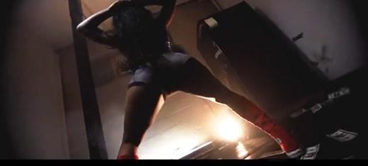 She Twerking