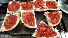 pizza maken met turks brood 02