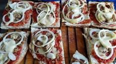pizza maken met turks brood 05