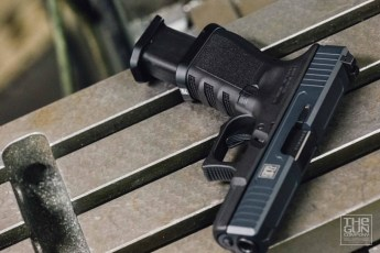 Glock 19 in MAD Black & Magpul Stealth Grey