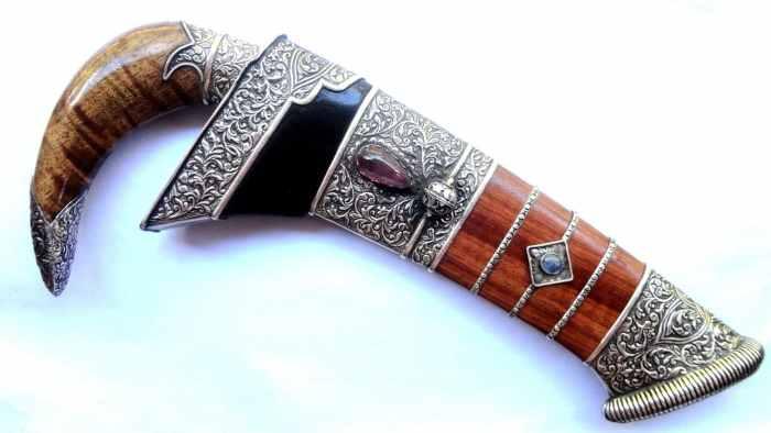 Senjata Tradisional Badik Lompo Battang