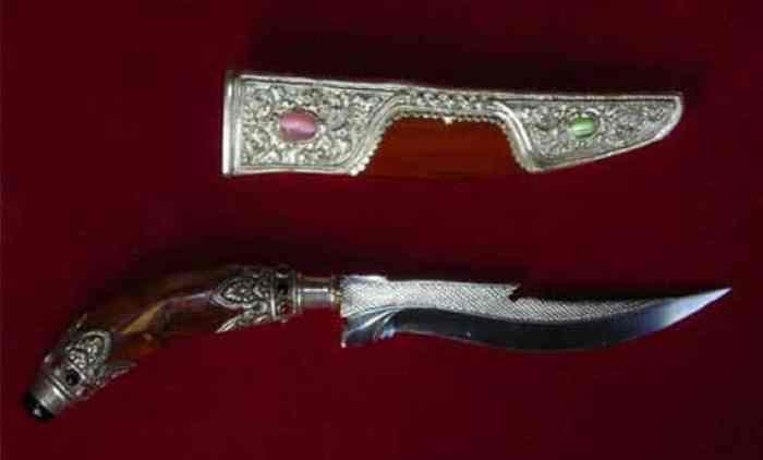Senjata Tradisional Tiuk