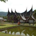 Filosofi Rumah Adat Sumatera Barat – Rumah Gadang
