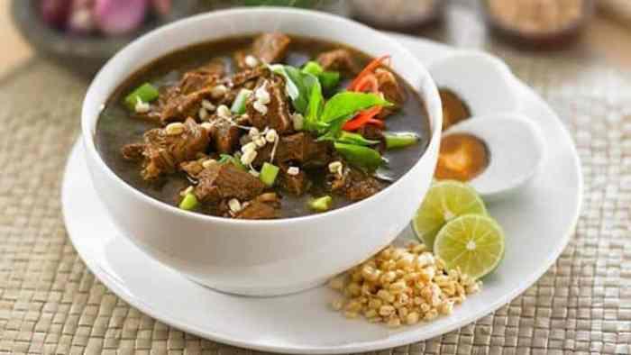 Resep Rawon dengan Daging Asli