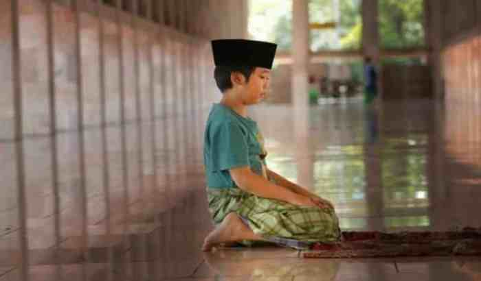 Tuma'ninah Dalam Tasyahud Akhir Pada Rukun Sholat