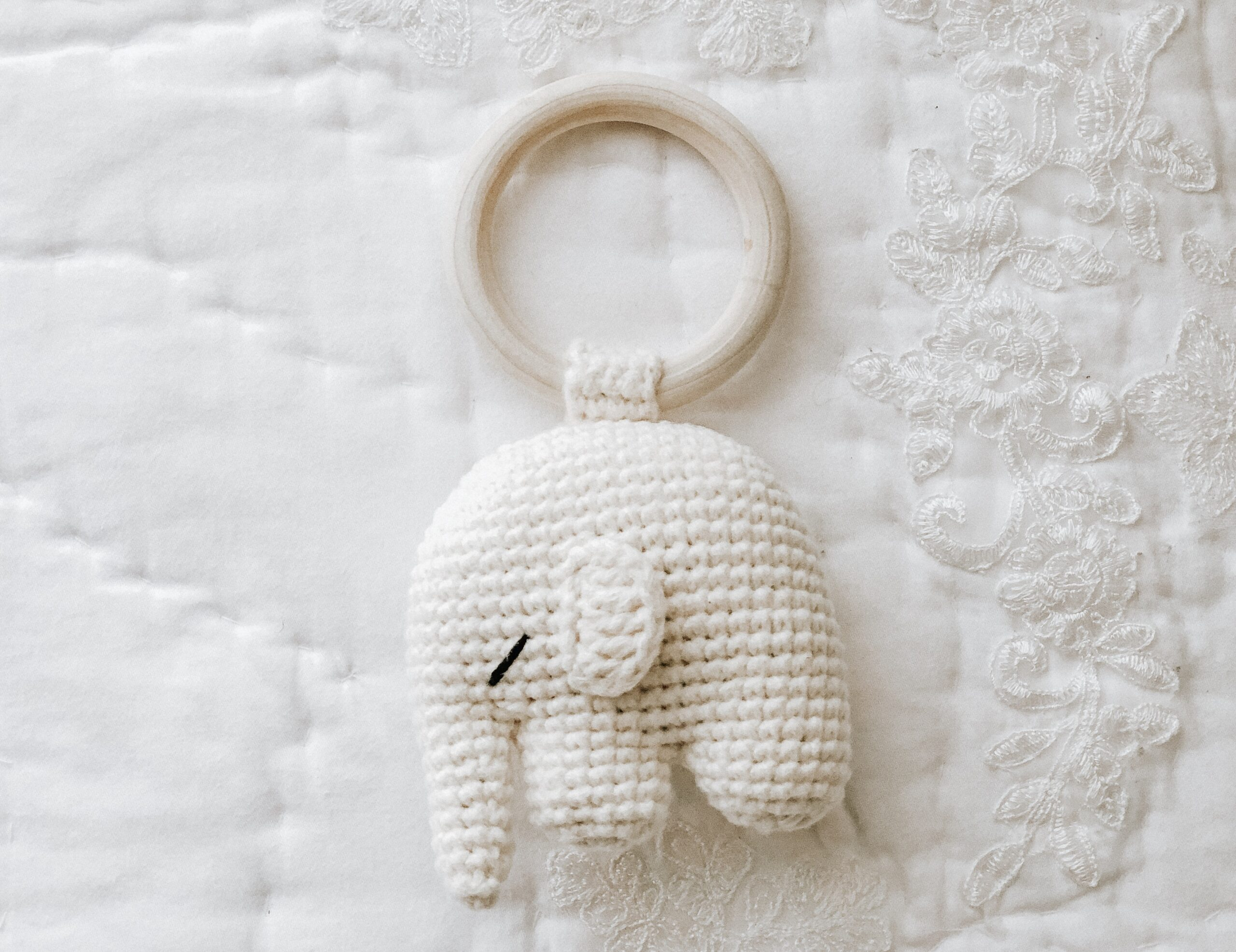 Cuddle and Play Elephant Baby Blanket Crochet Pattern | Crochet Arcade | 2679x3478