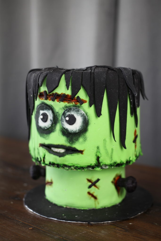 Frankenstein kake design