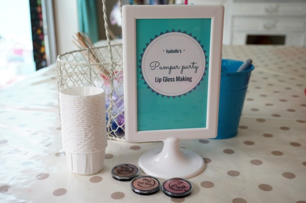 Pamper party craft activity