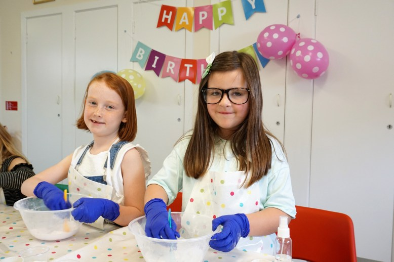 Children making bath fizzers at the spa of our own craft party by Made By Me Craft Parties
