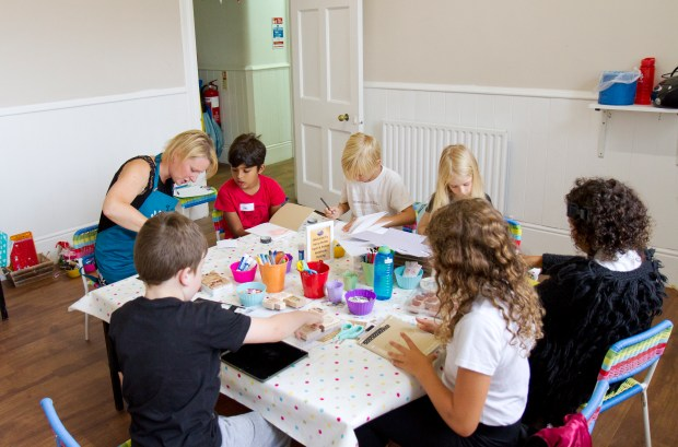 Craft activities for children in the summer holidays