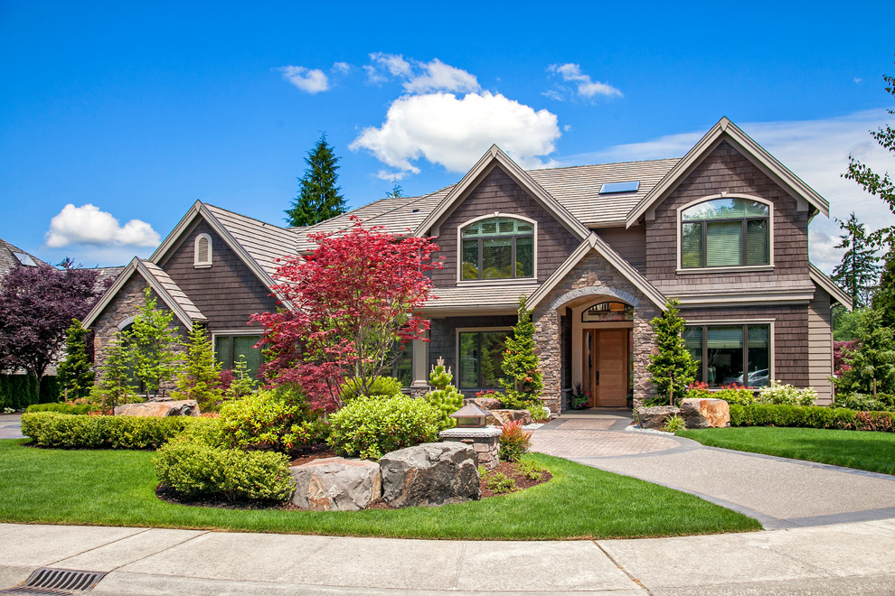 Glamorous front yard landscaping Traditional Exterior on Front Yard Renovation Ideas id=14909