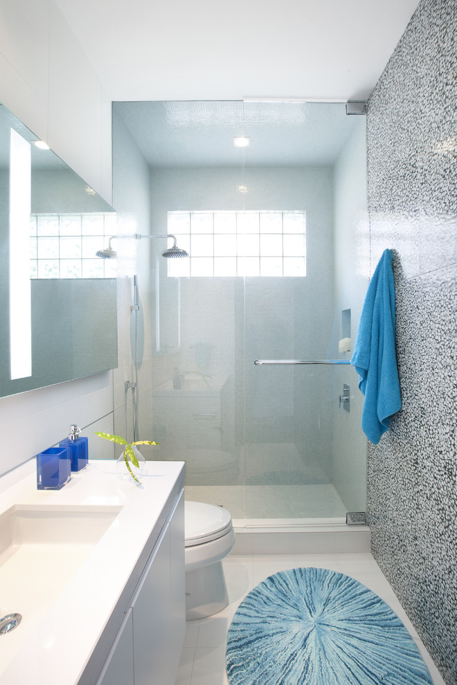 Chic kohler shower base in Bathroom Contemporary with Simple House Design  next to Showers Without Doors  alongside Ceramic Tile Walk In Showers  and Small Yard Pool Design