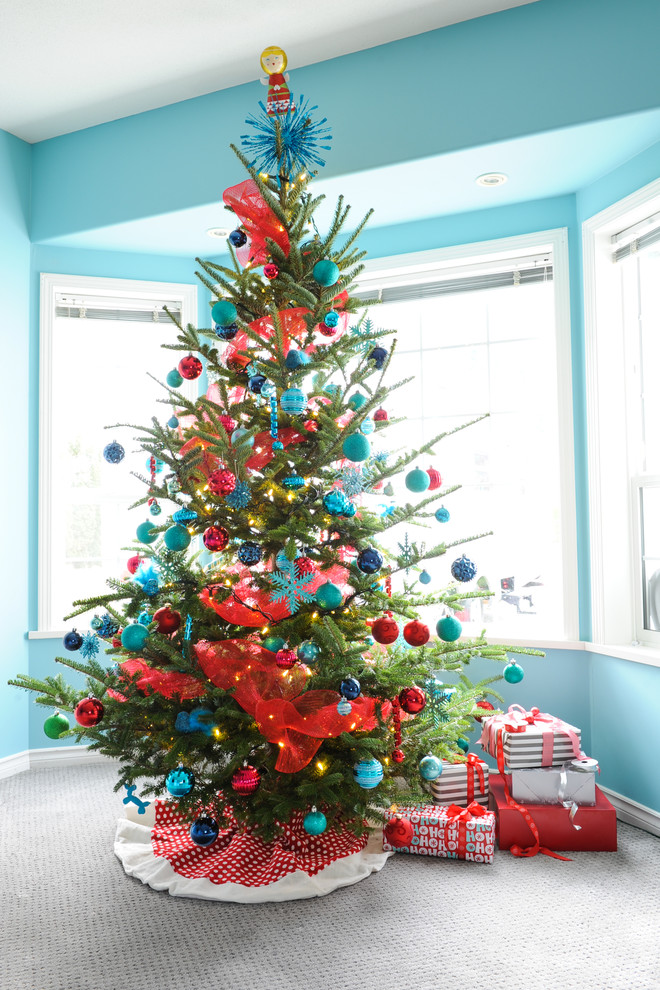 Dazzling burlap christmas tree skirt in Family Room Traditional with Stars Carpet  next to Aqua And Red  alongside Ornamental Trees  and Ribbon Decorating