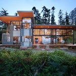 Marvelous metal and glass etagere Modern Exterior in Seattle with large overhangs