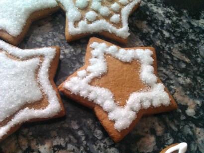 pierniczki miodowe, tradycyjne 2012- efekt śniegu
