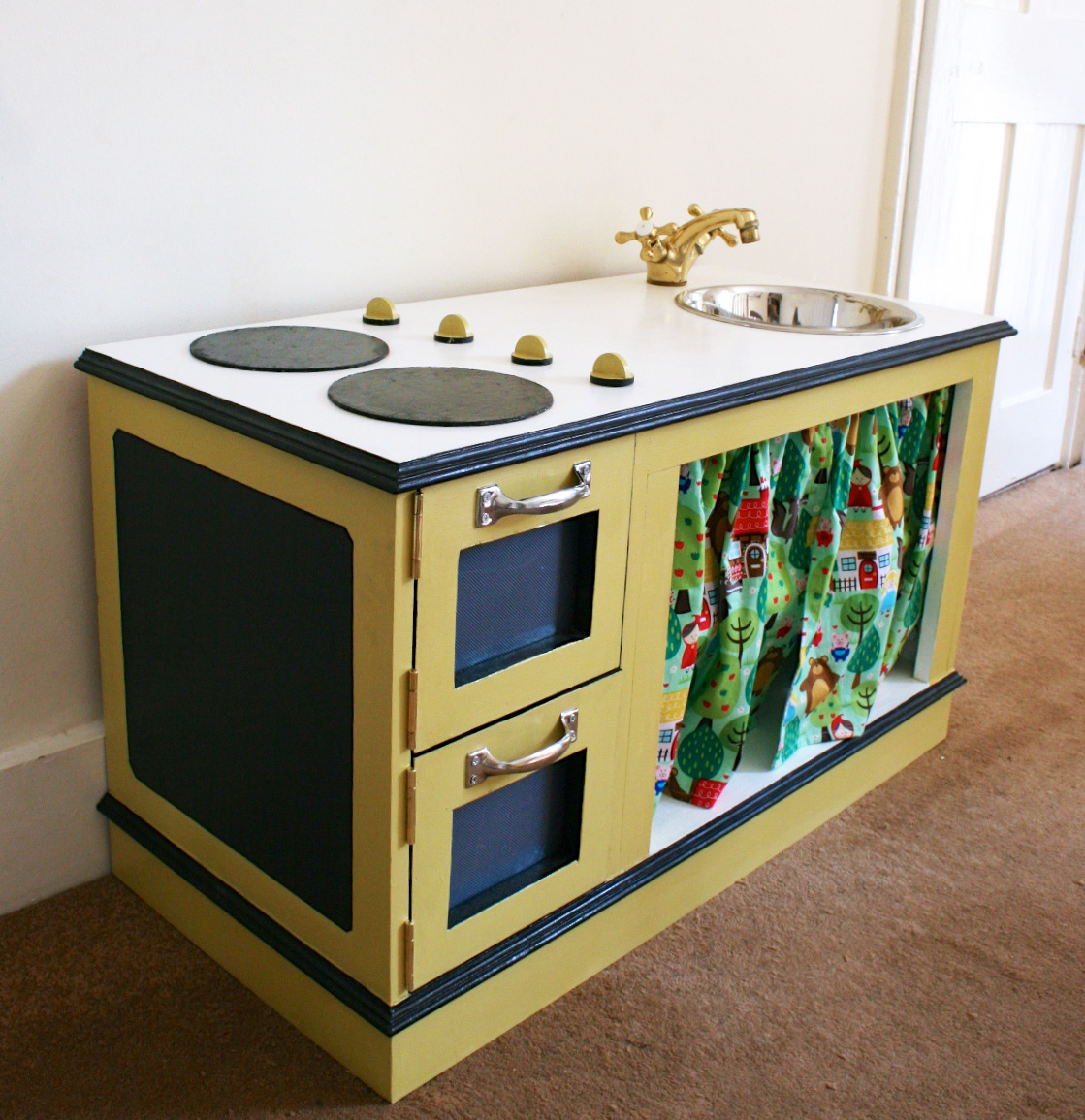 DIY Play Kitchen Made By Toya