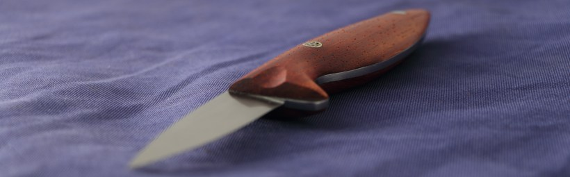 The oyster knife with Paduk and RWL34 stainless steel