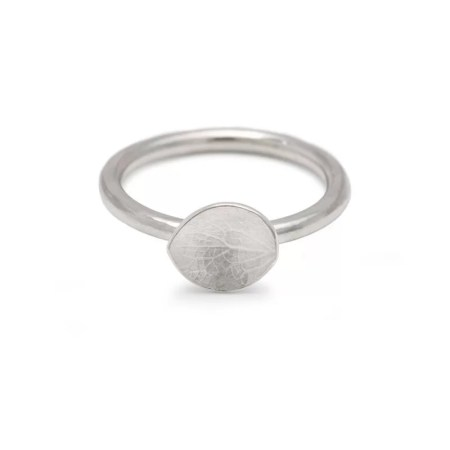 Kirsty Ward - Hydrangea petal ring