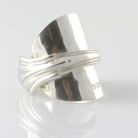 Annette Marshall - Full fan spoon ring