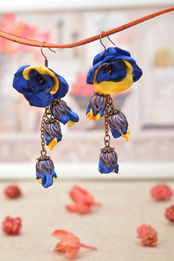 Серьги в виде цветов из атласных лент с подвесками ручной ...