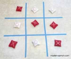 Valentine's Day Tic Tac Toe game