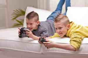 Helping kids learn great screen time alternatives will set them up with healthy lifestyle habits. Get our tips to help at Made in a Pinch and follow us on Pinterest!2
