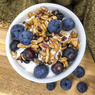 This Blueberry Almond Granola makes a healthy and nutritious fast breakfast. Grab this and many other easy, family-friendly recipes on Made In A Pinch.