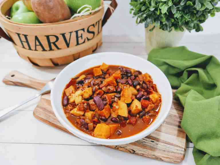 Flavorful Turkey Sweet Potato Chili With Apples