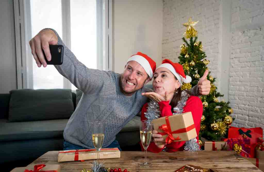 alternative holiday party ideas can include video calls