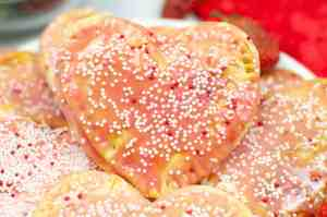 Air Fryer Valentine's Day pop tart closeup