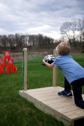 family yard games slingshot