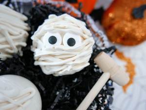 breakable mummy candy