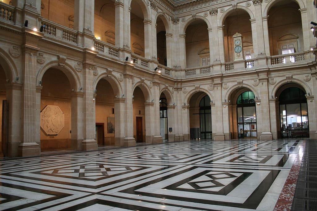 Visiter Le Palais De La Bourse De Marseille Made In