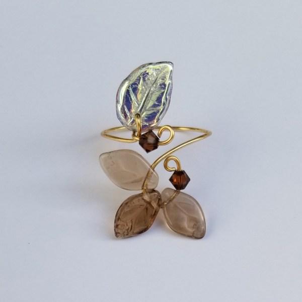Classic Leaf Ring Topaz