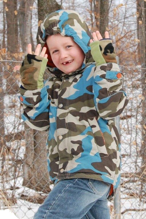 Camo Seasons Reversible Fingerless Gloves Child