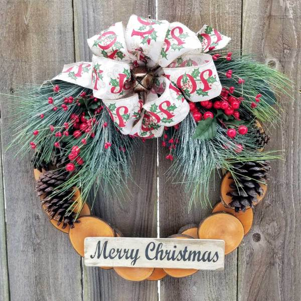Merry Christmas Wreath 17 inch Maple Slice