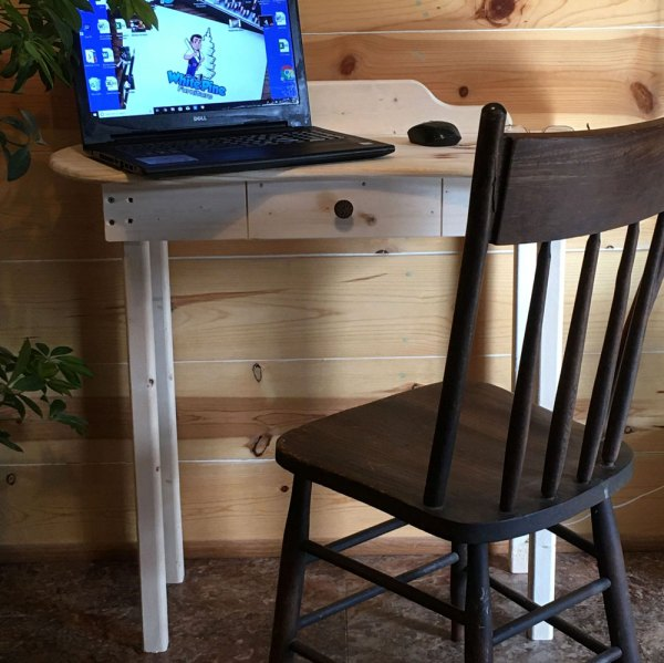 White Pine Laptop Desk