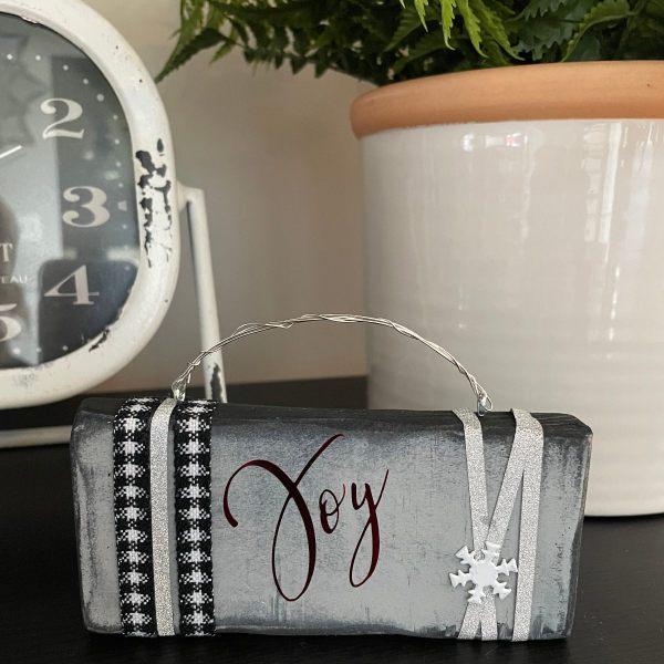 Elegant Joy Ornament Black