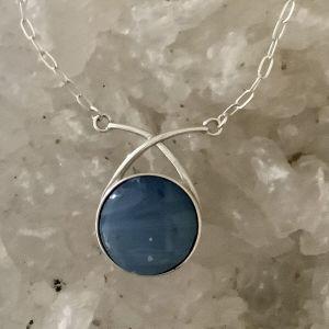 Wishbone Leland Blue Necklace