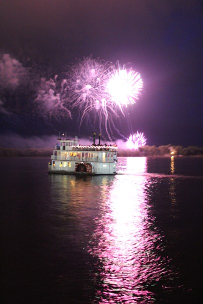 Muscatine 4th of July fireworks and Pearl Button Paddlewheel