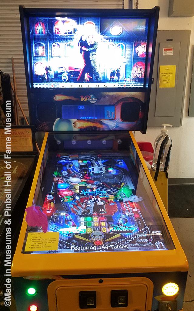 Video simulation pinball game