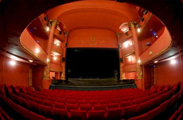 Théâtre Municipal Jordi Pere Cerdà - Place République