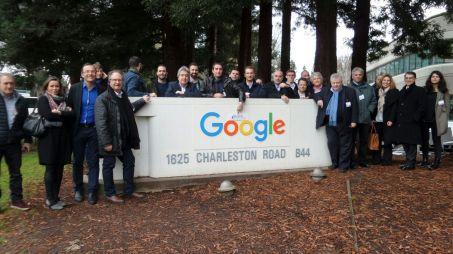 Les ambassadeurs économiques catalans posent devant Google. Credit photo DR