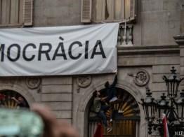 Barcelone - Manifestation des pro Espagne contre le référendum catalan-9300106