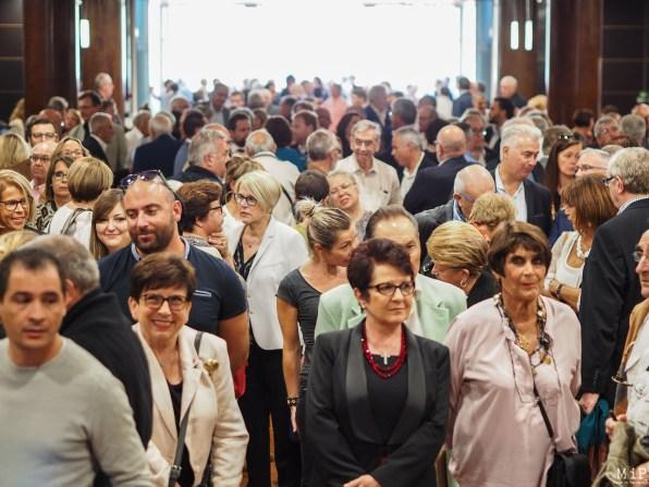 Les grand électeurs attendent les résultats du premier tour de scrutin