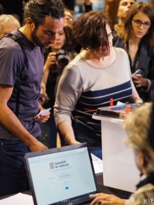 Référendum catalan du 1-O - Récit d'une journée historique-010288